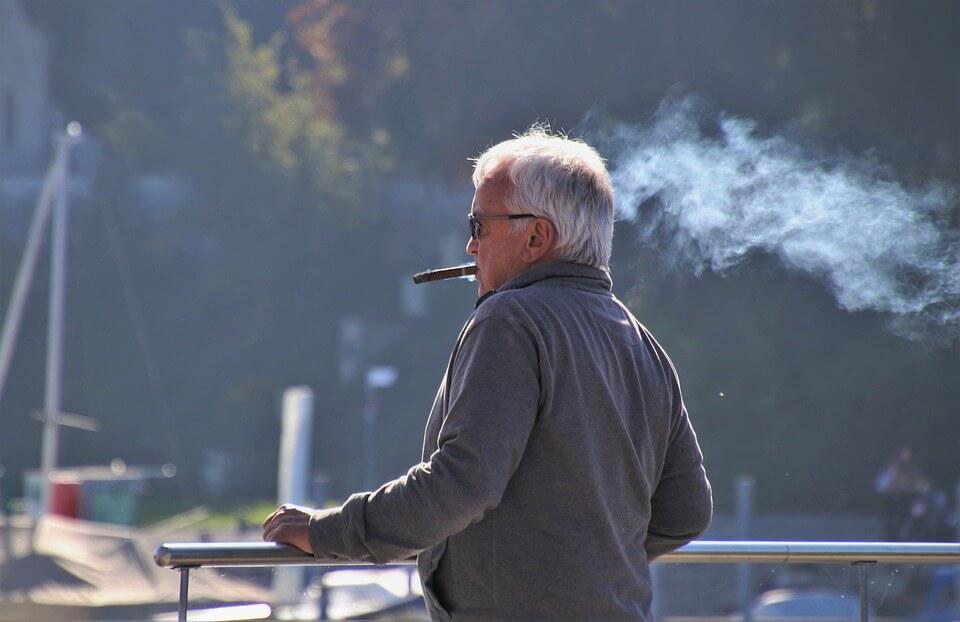 タバコ やめさせる方法