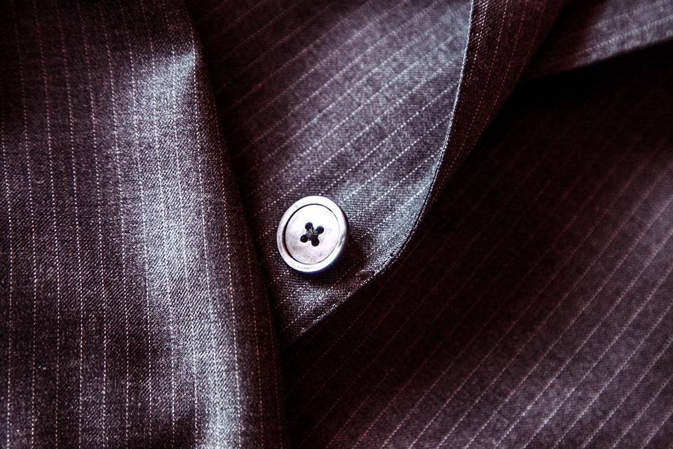 スーツ 買い時