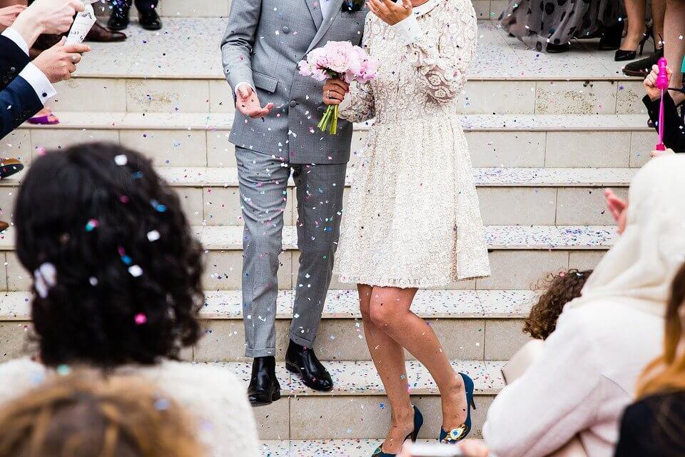 新卒 結婚